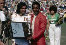 Pelé, 80 anni di una leggenda: Santos e Cosmos grandi amori