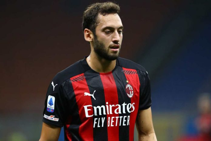 Milan-Calhanoglu, stand by per il rinnovo (Getty Images)