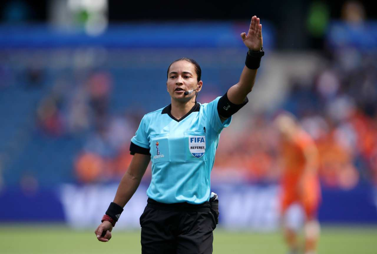 arbitro donna mondiale club