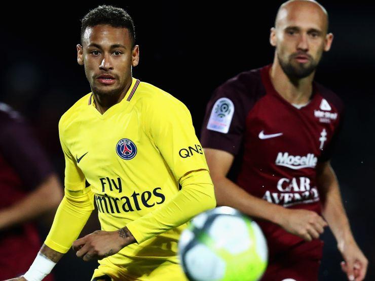 Neymar in contrasto - Getty Images