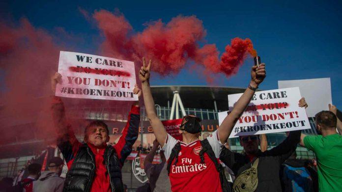 arsenal tifosi proteste