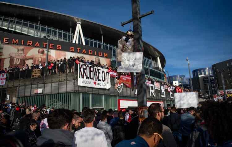 arsenal protesta