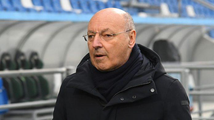 Giuseppe Marotta DG Inter vicino alla panchina