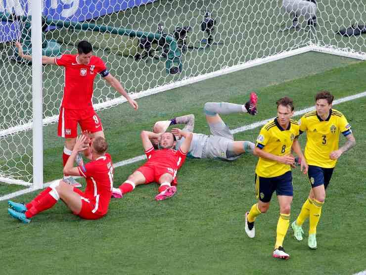 Lewandowski errore Svezia