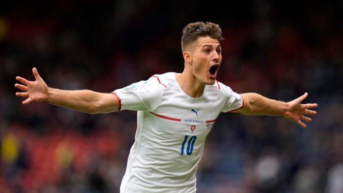 Patrik Schick gol centrocampo