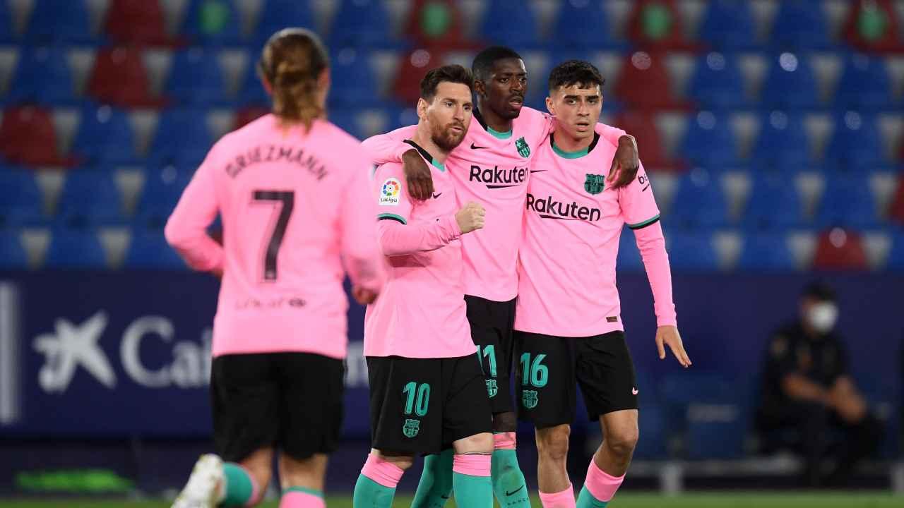 Barcellona maglia rosa