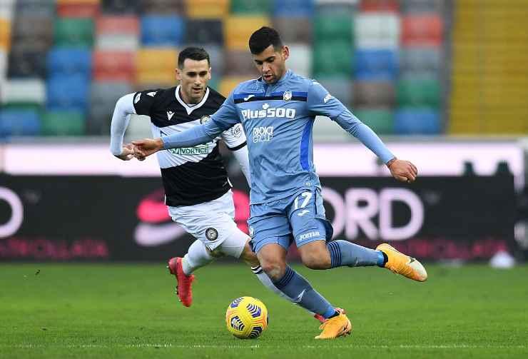 Cristian Romero in campo con l'Atalanta