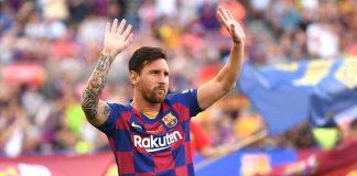Calciomercato, Lionel Messi con le mani alzate