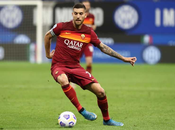 Lorenzo Pellegrini in campo con la maglia della Roma