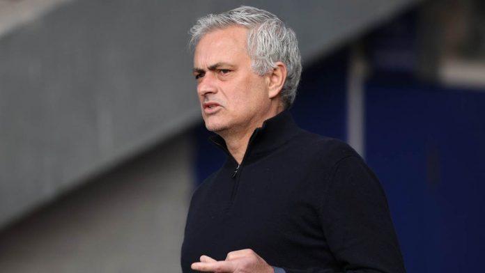 José Mourinho perplesso