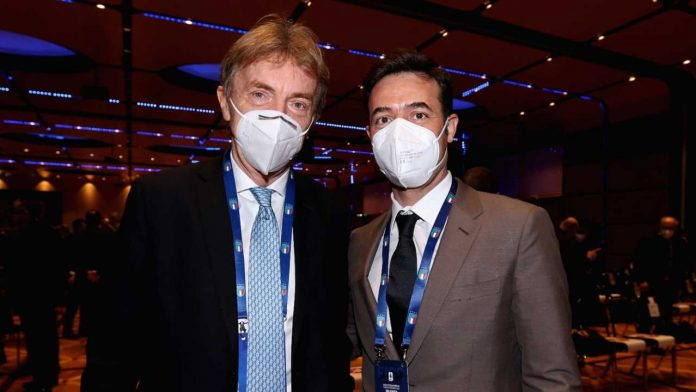 Mercato Roma, Tiago pinto con la mascherina