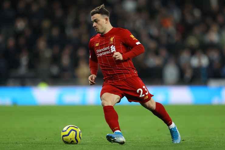 Xherdan Shaqiri in campo con il Liverpool