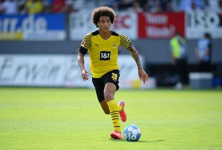 Axel Witsel in campo con il Borussia Dortmund