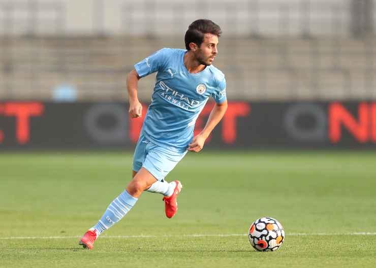 Bernardo Silva in campo con il Manchester City