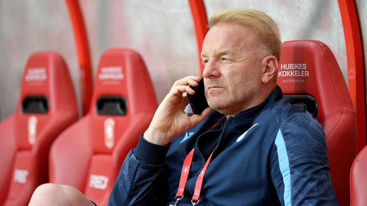 Calciomercato Lazio, Igli Tare al telefono