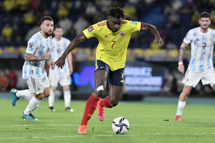 Duvan Zapata in campo con la Colombia