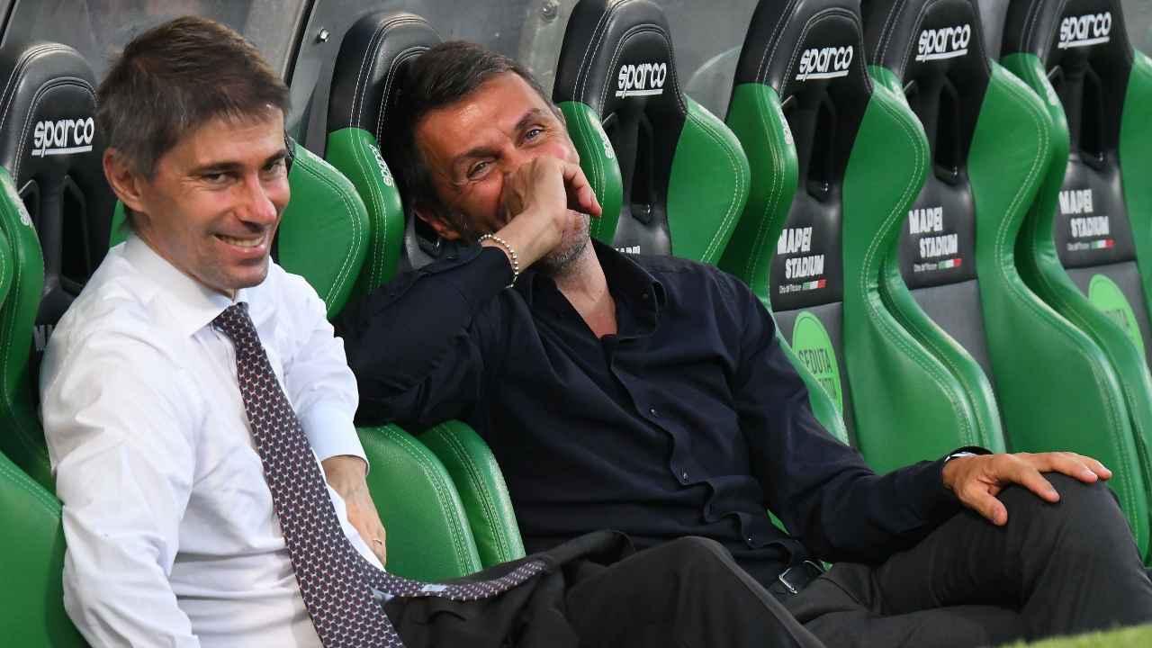 Calciomercato, Frederic Massara e Paolo Maldini seduti in panchina
