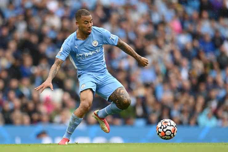 Gabriel Jesus in campo con il Manchester City