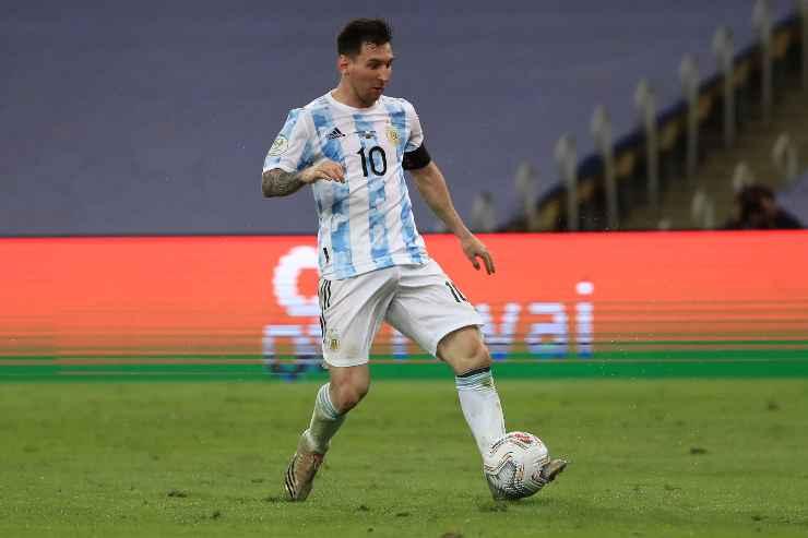 Lionel Messi in campo con l'Argentina