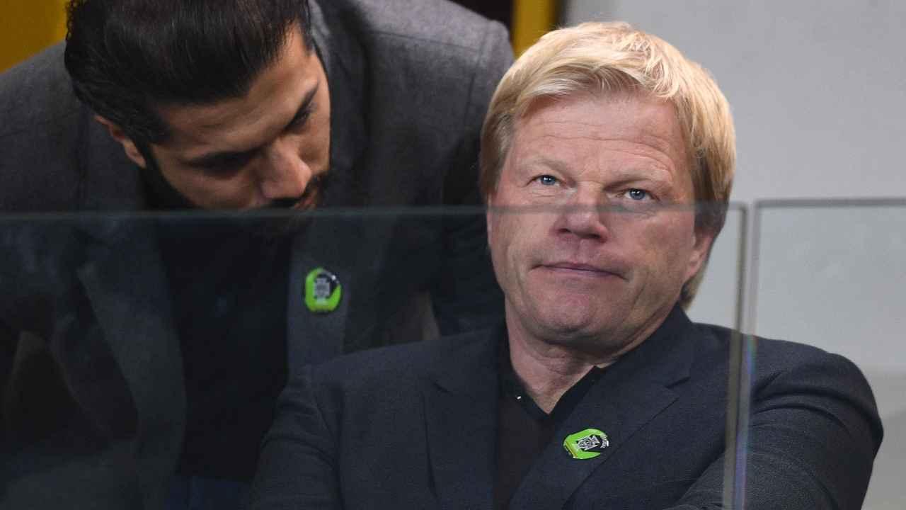 Bayern Monaco, Oliver Kahn seduto in tribuna