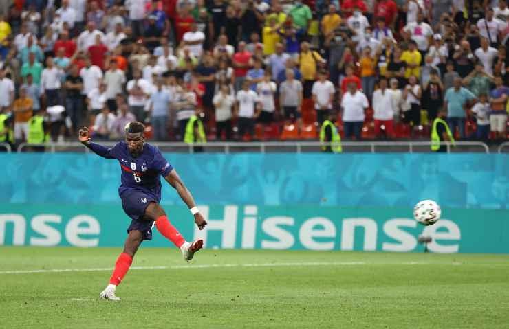 Paul Pogba in campo con la Francia