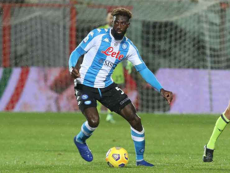 Tiémoué Bakayoko in campo con il Napoli