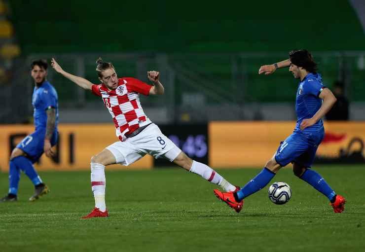 Toma Basic in campo con la Croazia