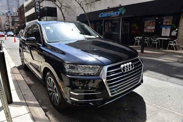 Audi Q7 nera