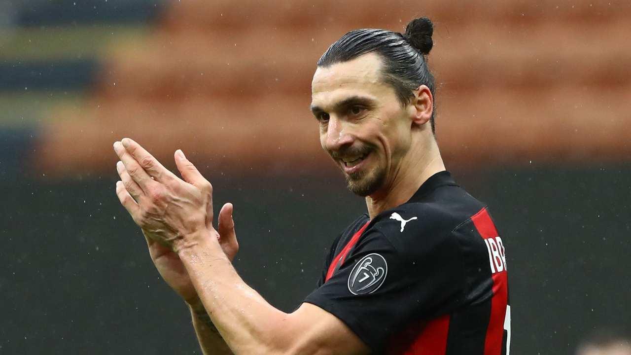 Ibrahimovic applausi Milan