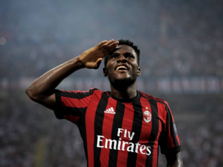 Kessiè esulta dopo aver fatto gol con il Milan