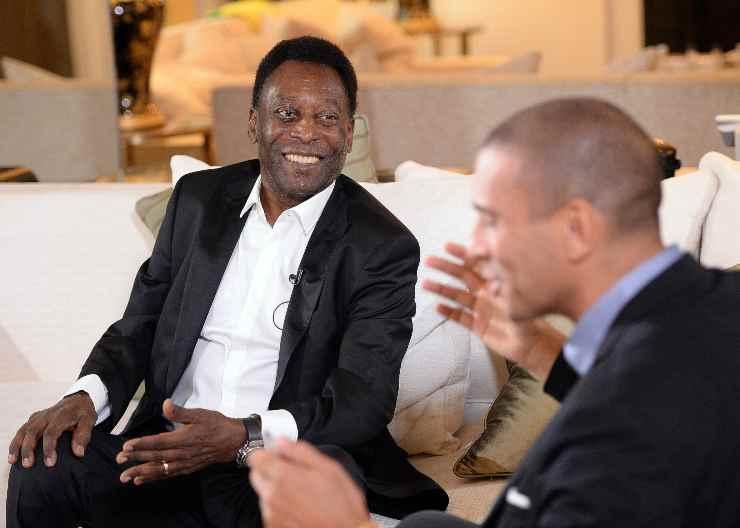 Pelé durante un'intervista