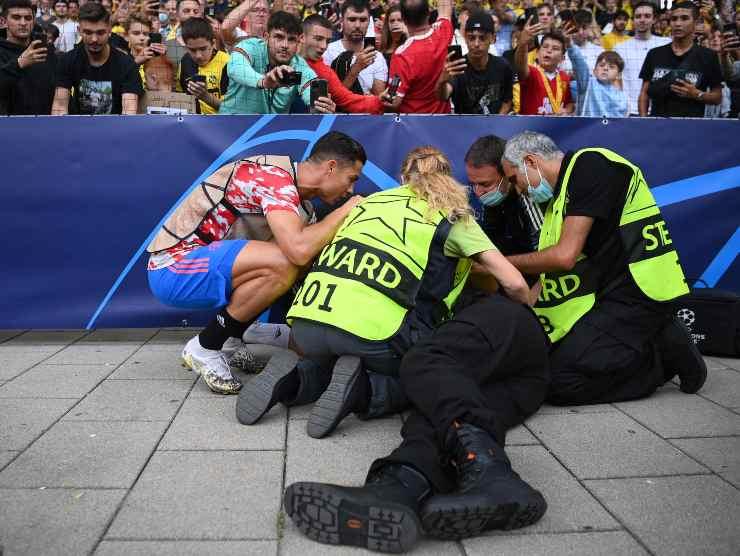 Ronaldo abbatte steward