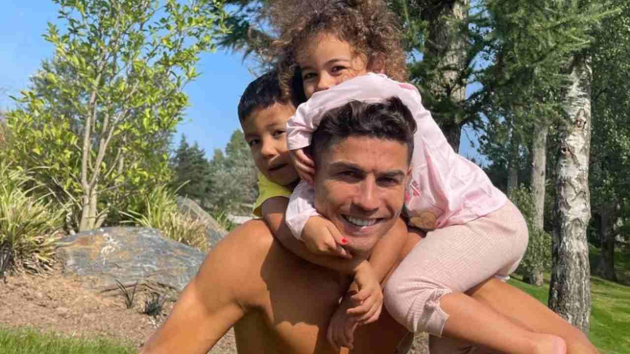 Ronaldo insieme alla sua famiglia a Manchester