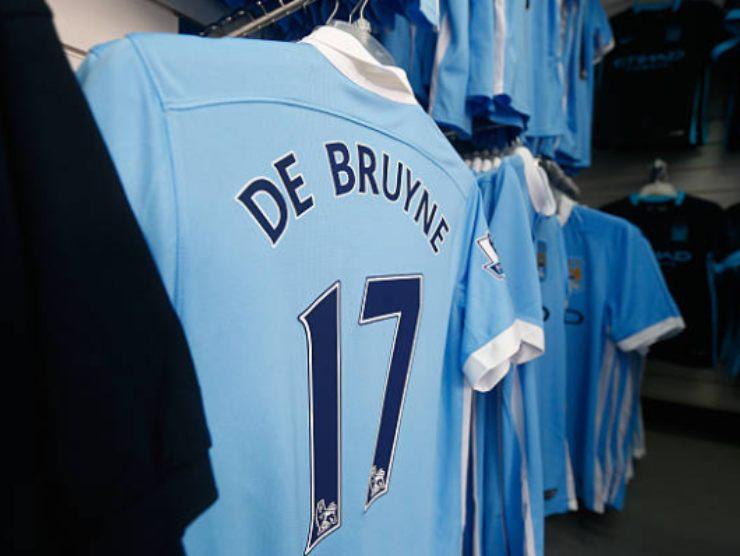 Store del Manchester City, senza la maglia di Mendy