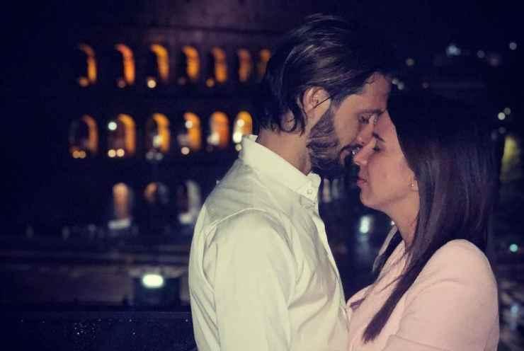 Luis Alberto e Patricia Venegas con il Colosseo di sfondo