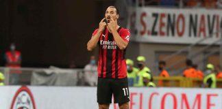 Milan, Zlatan Ibrahimovic mentre si indica gli occhi